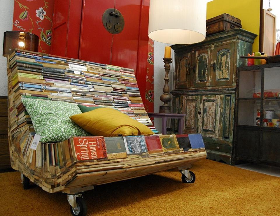 Мебель своими руками из старых вещей